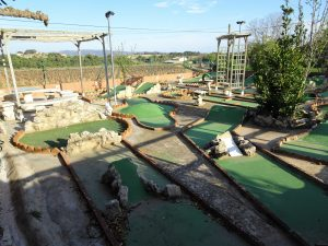 Mini golf - Cal Sagal - Cal Jafra.